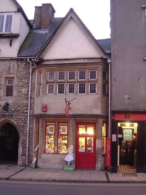 Alice_Shop_Oxford_November_2004