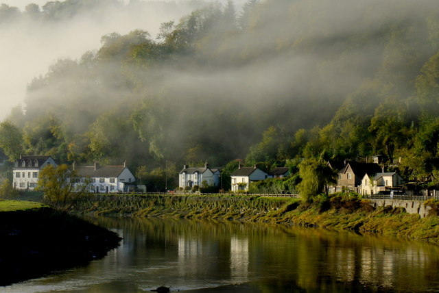 Morning mist on Wordsworth's river Wye