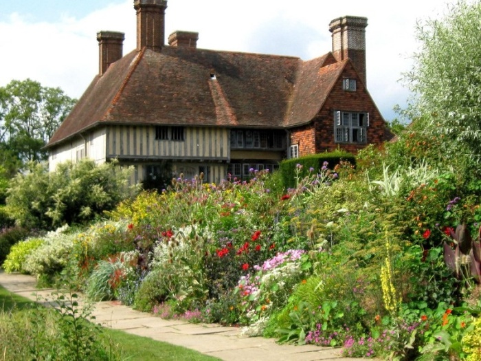 The colourful Long Border at Great Dixter