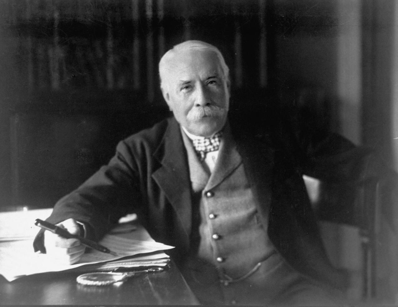Phot of Sir Edward Elgar